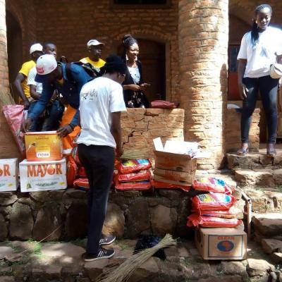 Foumban Cameroun reception colis festival Nguom 2018 lancement monnaie du coeur