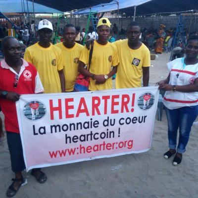 Hearter avec croix rouge Noel des ecoles cotonou - 20/12/2018 lancement monnaie du coeur